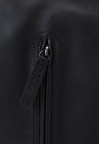 Zign - LEATHER UNISEX - Sac à dos - black - 4