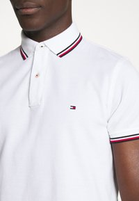 Tommy Hilfiger - TIPPED SLIM FIT - Pikeepaita - white - 5