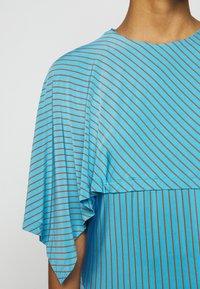 MM6 Maison Margiela - Žerzejové šaty - blue - 5