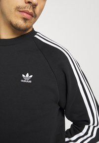 adidas Originals - 3 STRIPES CREW UNISEX - Sweatshirt - black - 3
