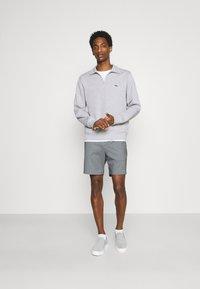 Selected Homme - SLHPETE STRING CAMP - Shorts - light grey melange - 1