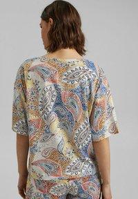 Esprit - MIT PRINT - Print T-shirt - off white - 2