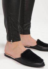 Freequent - AIDA COOPER - Trousers - black - 6