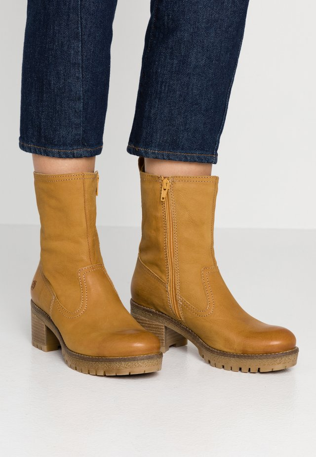 ANNE - Classic ankle boots - yellow