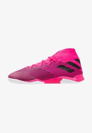 NEMEZIZ 19.3 IN - Zaalvoetbalschoenen - shock pink/core black