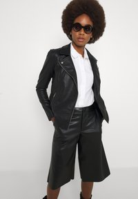ONLY Tall - ONLMELISA BIKER - Giacca in similpelle - black - 3