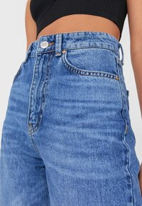 Stradivarius - Jeansy Straight Leg - blue denim - 3