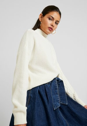 TURTLE NECK SWEATER WITH CABLE DETAIL - Sweter - ivory