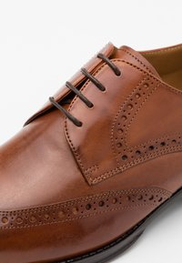 Melvin & Hamilton - KANE - Smart lace-ups - wood - 5