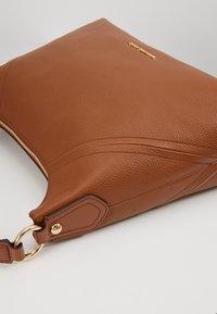 MICHAEL Michael Kors - ARIA PEBBLE  - Handbag - luggage - 6