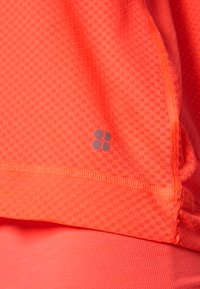 Sweaty Betty - DOUBLE TIME 2 IN 1 WORKOUT VEST - Top - fluro flash pink - 6