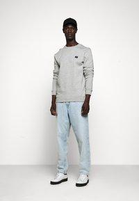 Les Deux - PIECE - Sweatshirt - light grey melange - 1