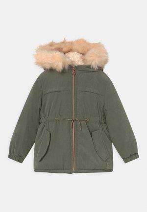 Winter coat - thyme