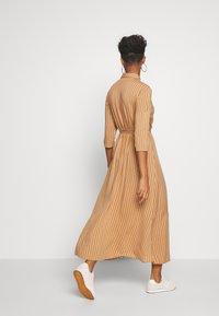 JDY - STARR LIFE - Shirt dress - lion/sandshell - 2