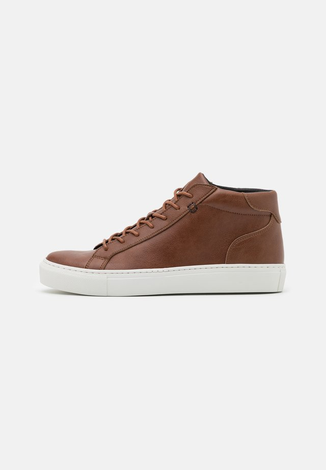 MATT VEGAN - Höga sneakers - brown