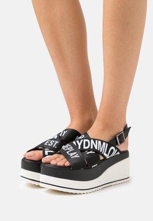 SHELYE - Sandały na platformie - black