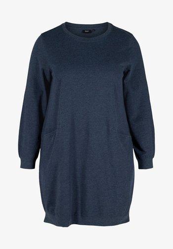 MIT TASCHEN - Jersey dress - blue