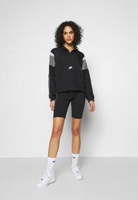Nike Sportswear - LIGHTWEIGHT JACKET - Lett jakke - black/smoke grey/white/(white) - 1