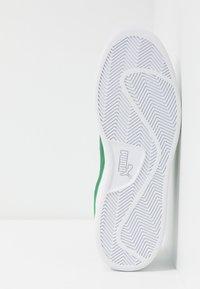 Puma - SMASH  - Matalavartiset tennarit - white/amazon green - 4