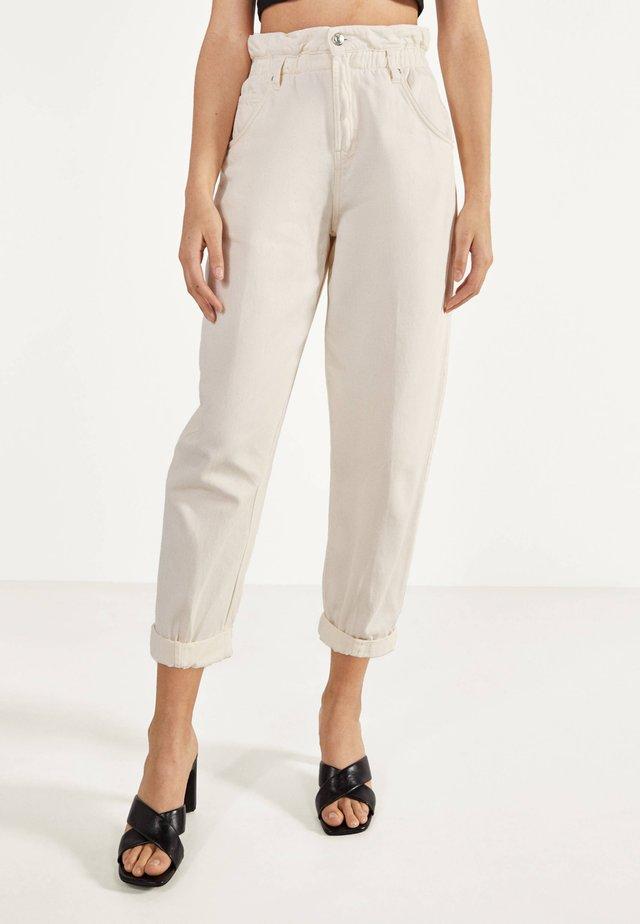 MIT STRETCHBUND  - Trousers - beige