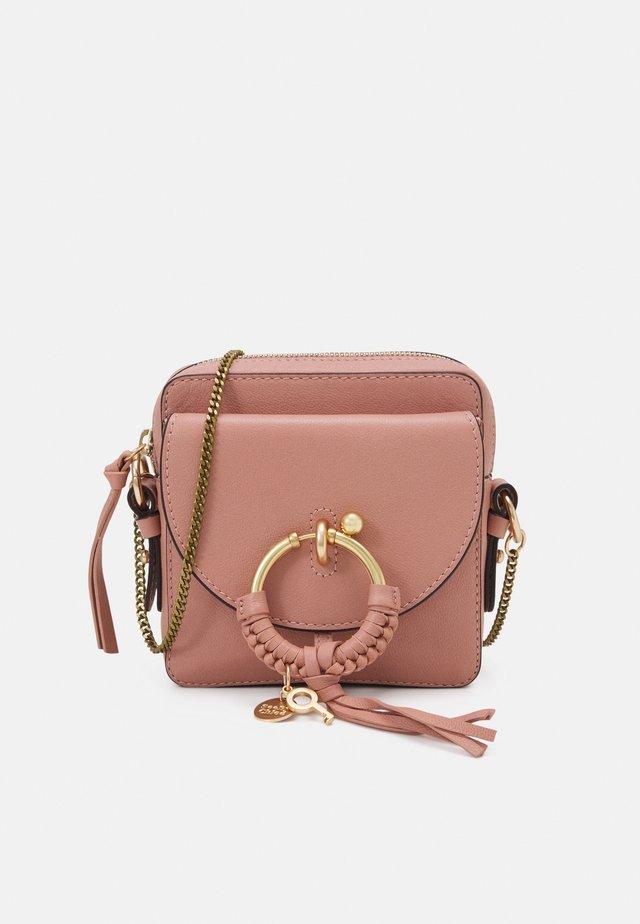 JOAN Joan camera bag - Across body bag - dawn rose