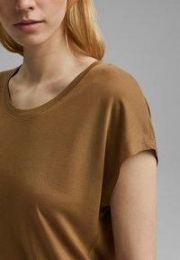 Esprit Collection - Basic T-shirt - bark - 3