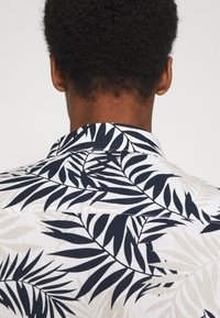 Selected Homme - SLHREGAOP SHIRT - Shirt - bright white - 5