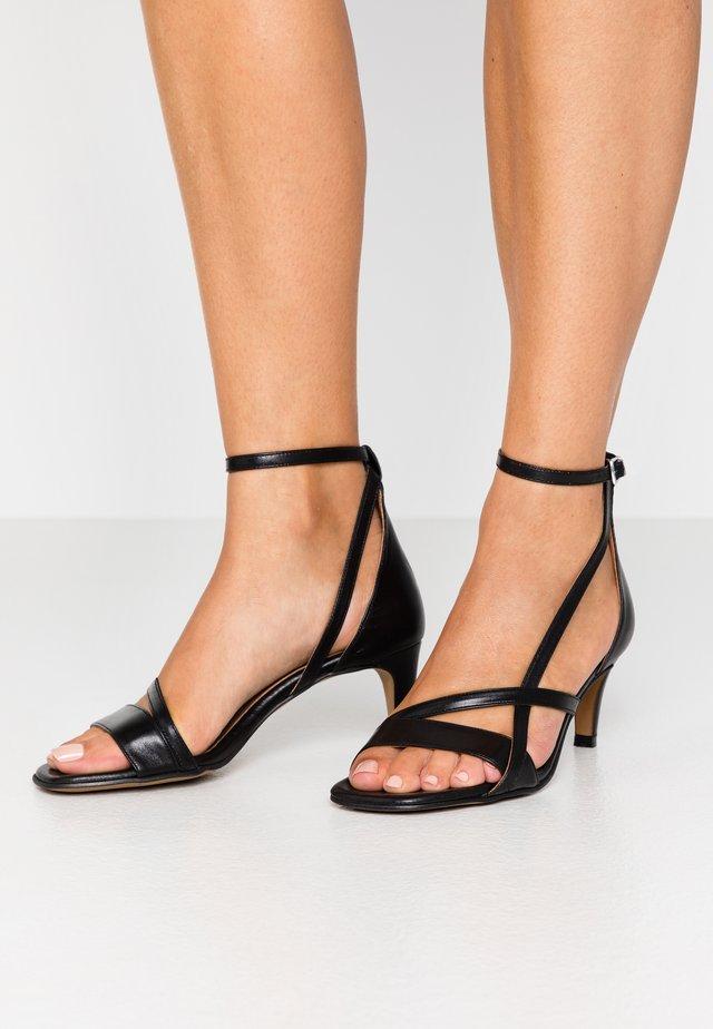 ROSANNA STRAP - Sandaalit nilkkaremmillä - black