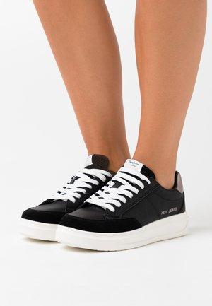 ABBEY TOP - Zapatillas - black