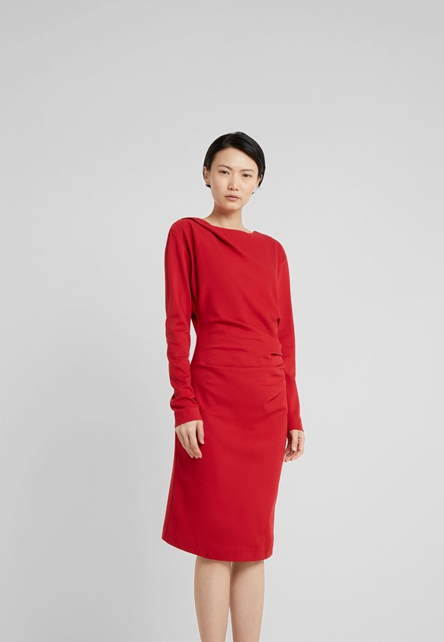 IZLA  - Robe fourreau - wicked red