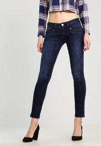 Herrlicher - Piper Slim - Slim fit jeans - deep - 0