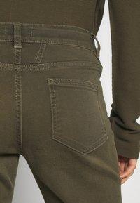 CLOSED - BAKER - Skinny džíny - shadow green - 3
