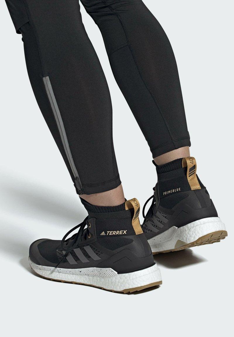 adidas Performance - TERREX FREE HIKER PRIMEBLUE WANDERSCHUH - Outdoorschoenen - black