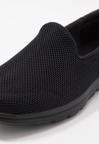 Skechers Performance - GO WALK 5 - Zapatillas para caminar - black - 5