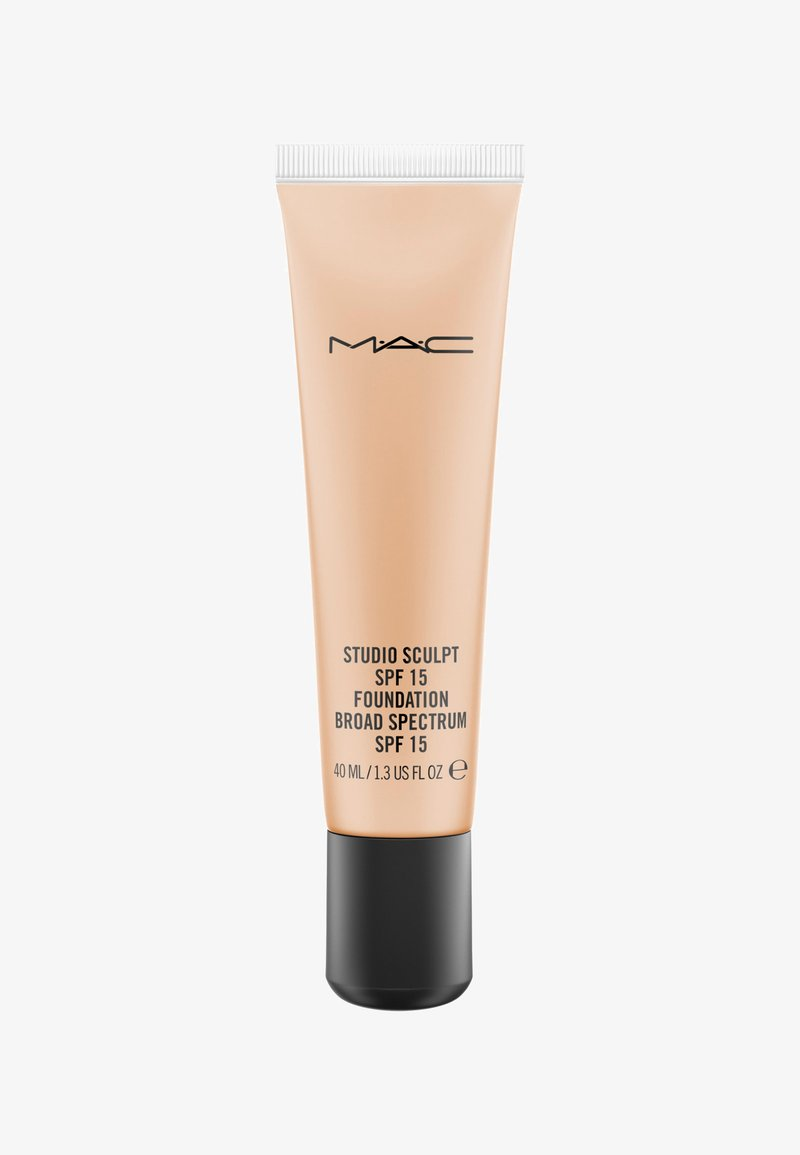 MAC - STUDIO SCULPT SPF15 FOUNDATION - Foundation - NC40