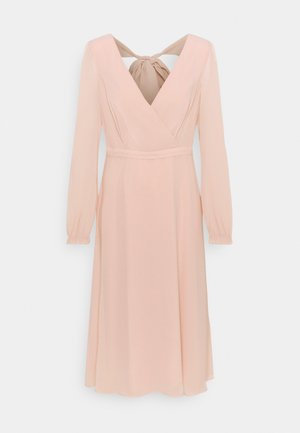 DRESS - Vestito elegante - nude