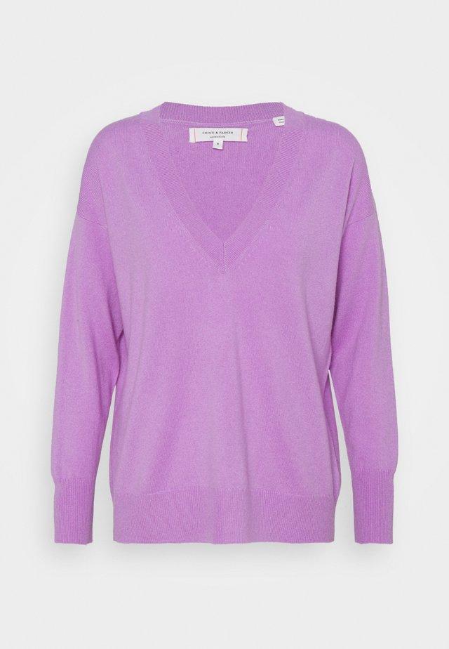V NECK - Pullover - lilac