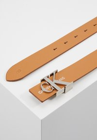 Calvin Klein Jeans - GYM CLASS MONO 30MM - Belt - brown - 3