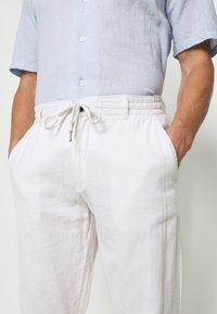 Lindbergh - PANTS - Trousers - white - 3