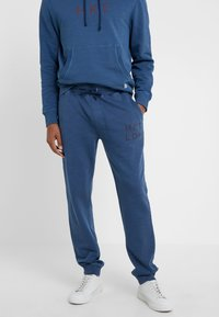 HKT by Hackett - JOGGER - Jogginghose - dark blue - 0