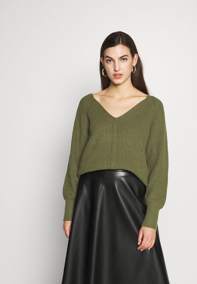 SRSANNE LONG V-NECK - Trui - dark olive