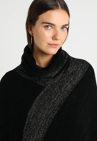 Anna Field - Cape - black/gold - 6