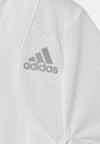 adidas Performance - CLUB UNISEX - Printtipaita - white/grey - 2