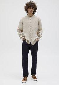 PULL&BEAR - Overhemd - beige - 1