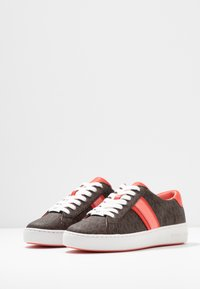 MICHAEL Michael Kors - IRVING STRIPE LACE UP - Trainers - brown - 4
