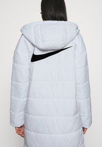 Nike Sportswear - CORE - Winter coat - white/black - 5