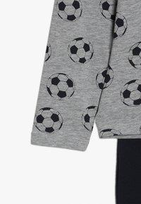Name it - NKMNIGHTSET FOOTBALL - Pyjama set - grey melange - 3