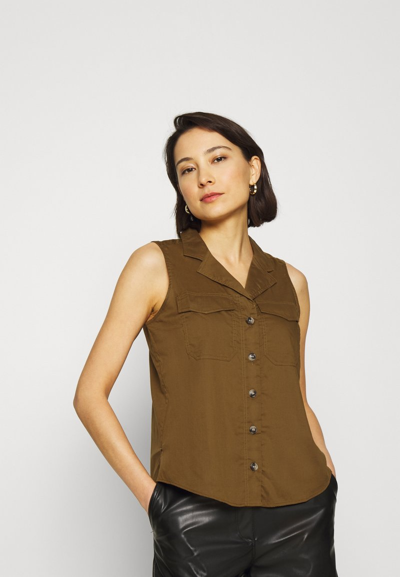 Banana Republic - UTILITY RESORT COLLAR - Button-down blouse - cindered olive