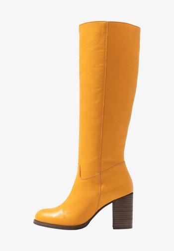 Laarzen - yellow
