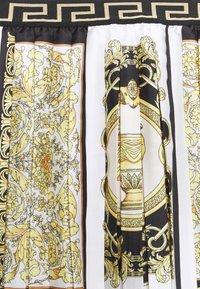 Versace - SKIRT PRINT HERITAGE - Pleated skirt - white/gold/kaki - 2
